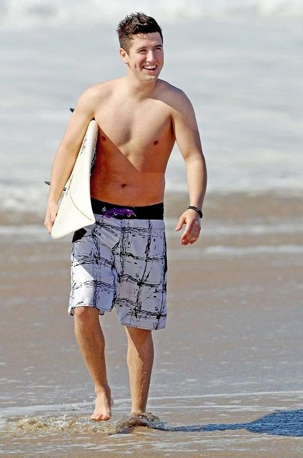 Singer and actor, Logan Henderson shirtless