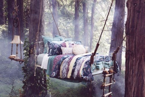 Hanging tree bed in lovely boho bohemian chick girl beauty flowery gipsy hippy hippie style. Check for more on pinterest.com/ninayay and stay positively #pinspired #pinspire