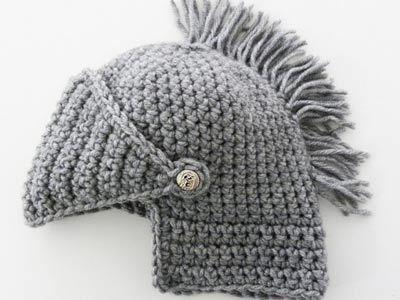 Crocheted Knight's Helmet | MeWanty.net