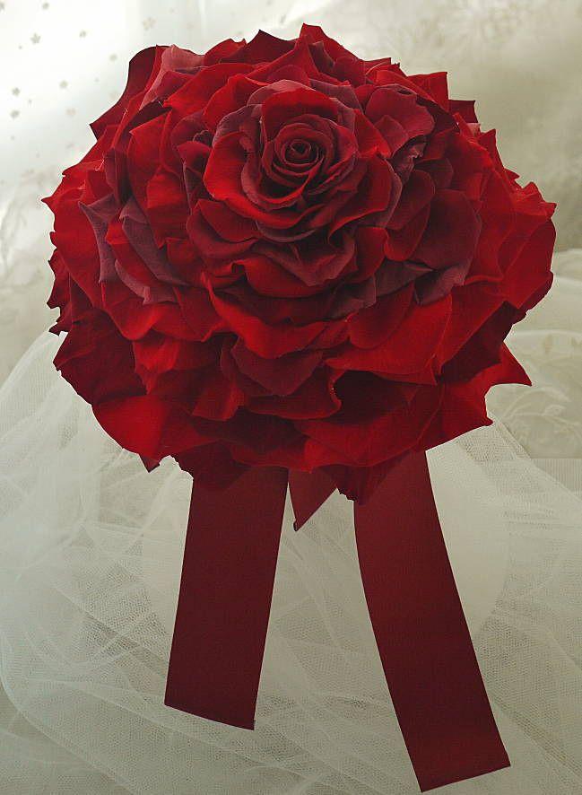 赤いドレスのアクセサリ あこがれ おばあさまからのプレゼント : 一会 ウエディングの花
