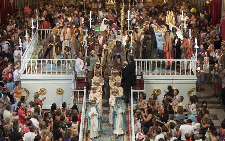 Tras la coronación de María, #lafesta llega a su fin. #MisteridElx Foto: Sixto Marco