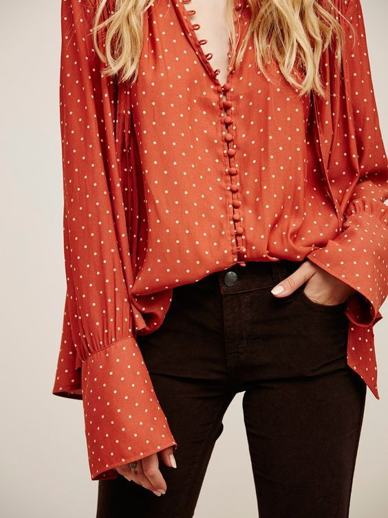 a4d2514a364 How to Wear a Blouse Stylishly - Top 18 Outfit Ideas to Wear Blouse