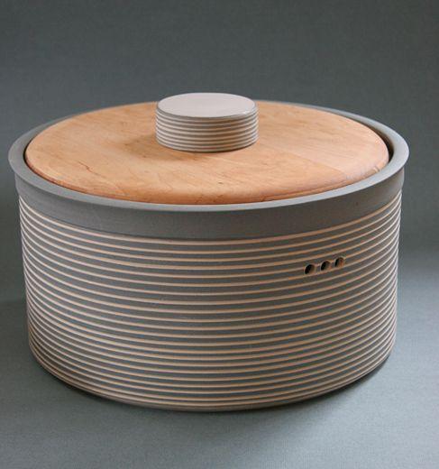 die besten 25 brotkasten keramik ideen auf pinterest brottopf keramik keramik pfanne und. Black Bedroom Furniture Sets. Home Design Ideas