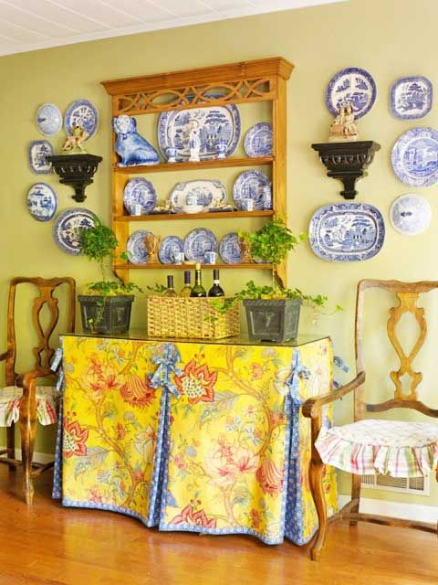 158 best ~DECORATING W/ PLATES~ images on Pinterest | Decorative plates Dining rooms and Blue and white & 158 best ~DECORATING W/ PLATES~ images on Pinterest | Decorative ...