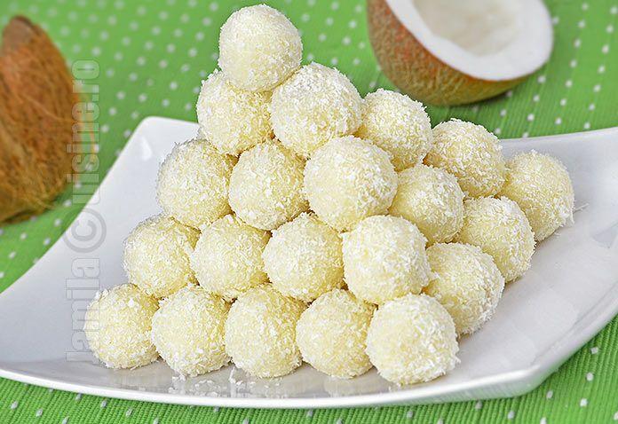 Reteta de bomboane Raffaello este extrem de usor de facut, e delicioasa iar cei mici o adora. Daca va plac bomboanele din comert, acesta reteta e perfecta.