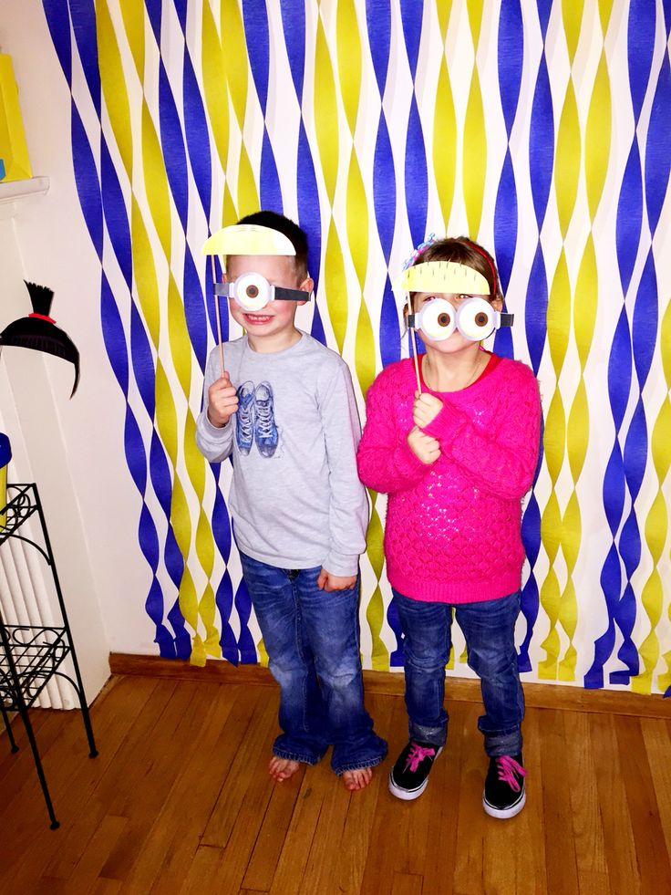 Minion Birthday Party photo booth