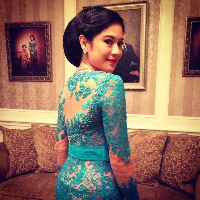 Gambar Kebaya Modern Dian Sastro Artis Cantik Anggun Berkebaya 2015