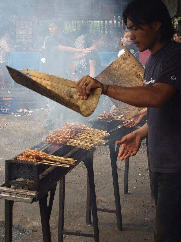 Eat the delicious local #food! That is must thing to do when in #Bali