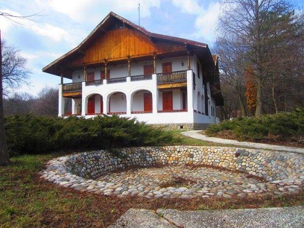 Cabana de vânătoare a lui Ceausescu din județul Olt; cabana Reșca