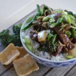 Oosterse biefstukreepjes met bimi uit de wok
