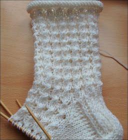 Sommersocken   Tolles Muster, einfach zu machen.   Fazit:  Nochmal stricken!