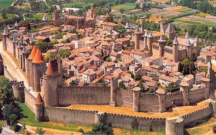 Carcassonne. Uma das muralhas mais lindas entre as cidades medievais do mundo!