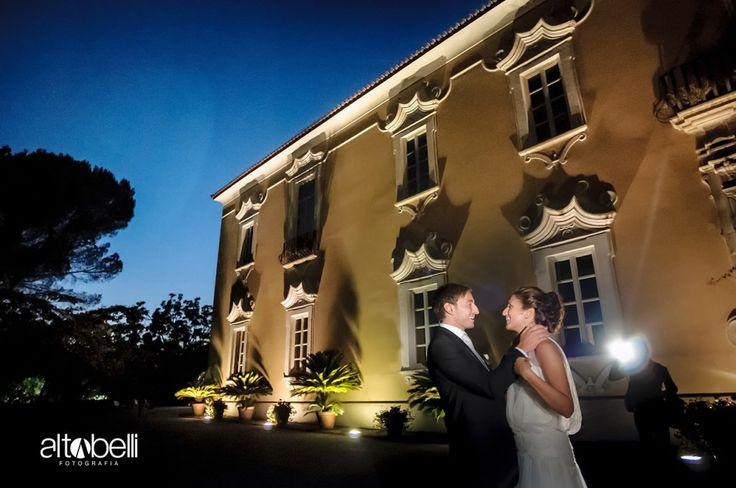 Ecco i nostri sposi, felici di aver realizzato il loro sogno alla Certosa di San Giacomo   Certosasangiacomo