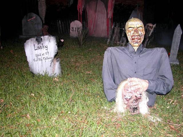 5 Inspiration For 2012 Yard Halloween Decorations | House Decorating Ideas  Www.housedecoratingidea.com640