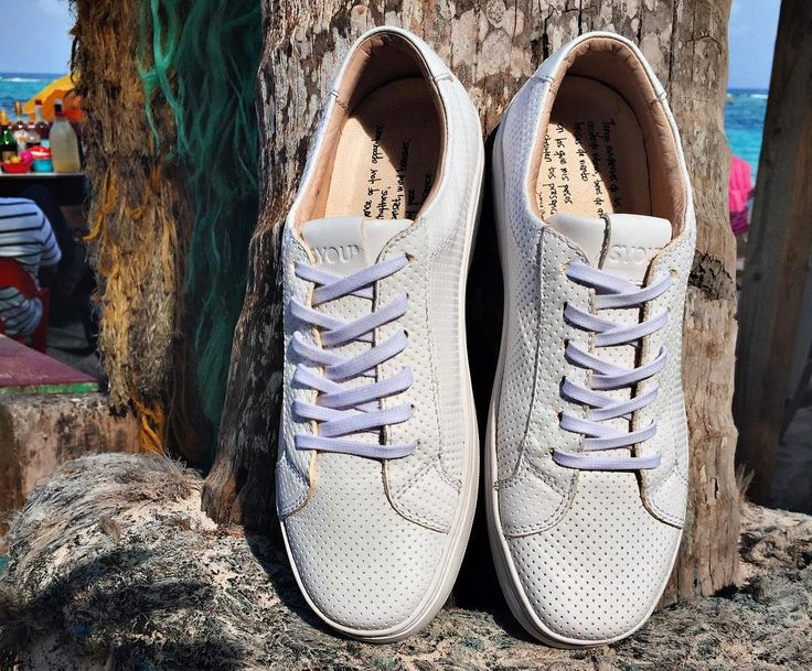 Sunday vibes with your SYOUs! #SYOUandColombia #beach #sunday #vibes #MadeinColombia #sneakers #WalkWithUs