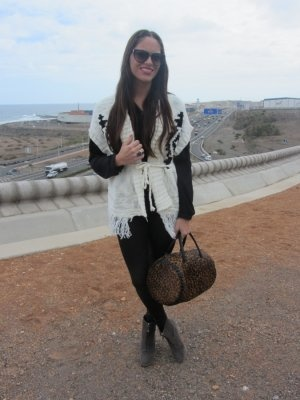 bymamen Outfit   Invierno 2011. Combinar Chaqueta-Cazadora Blanca Primark, Botines Grises Zara, Bolso Marróno Bimba