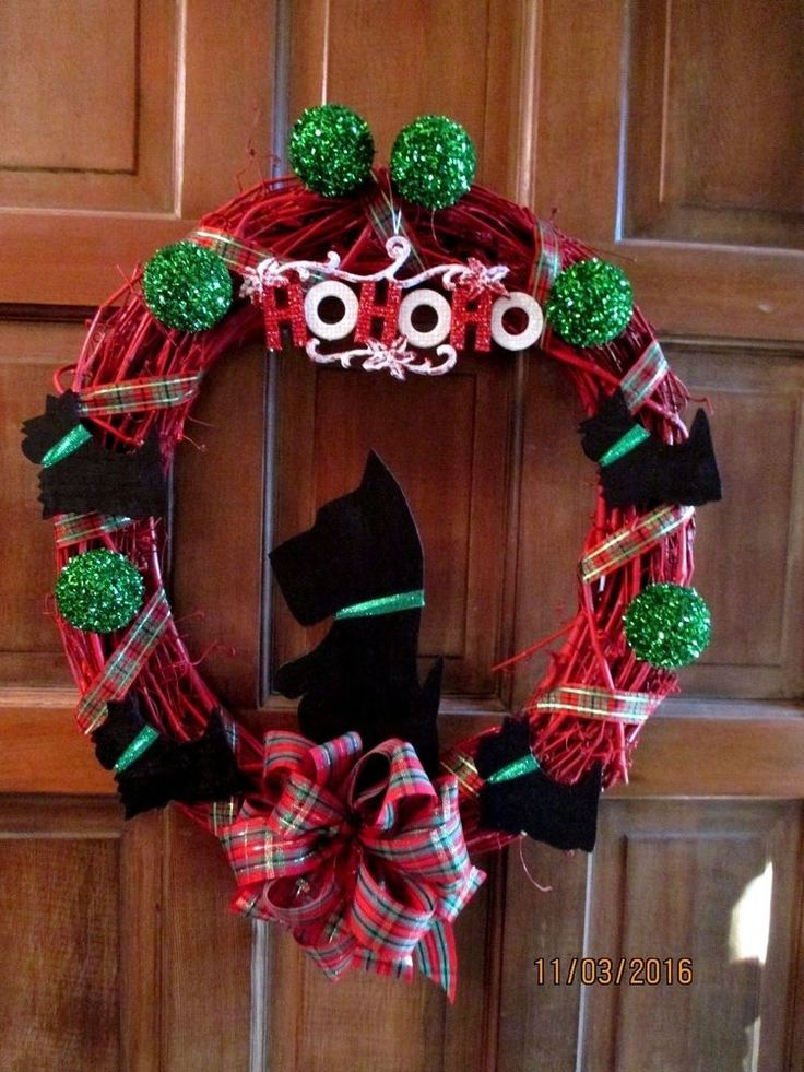 """RED GRAPEVINE HANDCRAFTED SCOTTIE WREATH. LARGE CENTER SCOTTIE MEASURES 9-1/2"""" TALL AND 4-1/2"""" WIDE AT WIDEST SPOT. THE OTHER SCOTTIES MEASURE APPROX. 3-1/2"""" X 3-1/2"""". I HAVE OTHER SCOTTIE WREATHS IN DIFFERENT COLORS.   eBay!"""