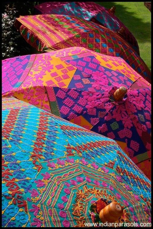 Indian Parasols - beautiful pops of PINK! :) love these umbrellas