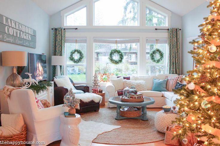 Lake Cottage Weihnachtsdekoration in unserem Wohn- und Esszimmer in thehappyhousi …   – Livingroom