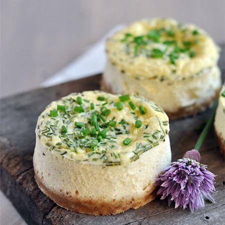 Recette salée de cheesecake avec du Saint-Môret et de la ciboulette