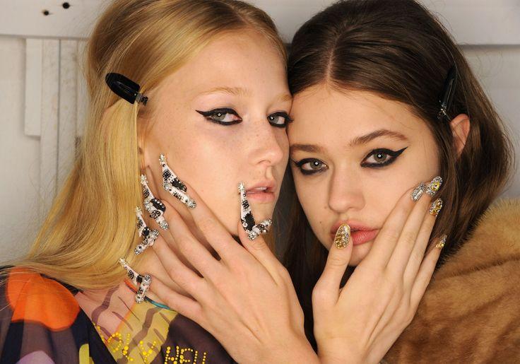Sono tornate le unghie pelose alla sfilata di Libertine a New York -cosmopolitan.it