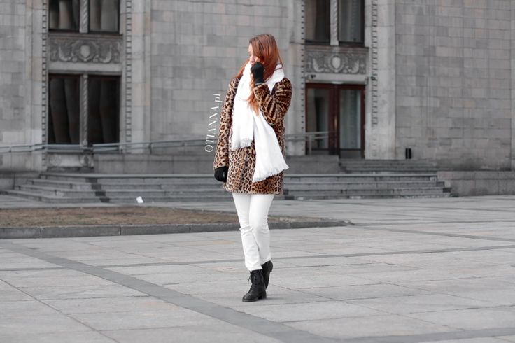 www.otianna.pl #look #strong #kiss #blog #otianna #lookbook #outfit #ootd #kobieta #woman #suede #simple #dress #fashion #fashionblogger #lbsdaily #polish #polishgirl #hair #rude #follow #blogger #fblogger #hm #me #girl #now #stylovepolki otianna-futro-futerko-panterka-lampart-stylizacja-moda-plaszcz-kobiecy-biale-spodnie-trapery