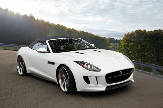 Jaguar presents its new model in India. Get more updates like this and all the news from the leading car maker Jaguar