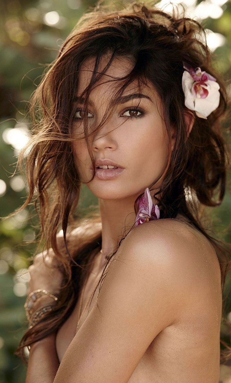 woman Lily Aldridge If you want to see 6500+ hot women who could rule your world visithotwomenruletheworld