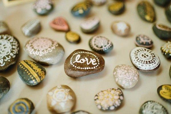 Painted rock wedding favors | Image by Amanda Basteen