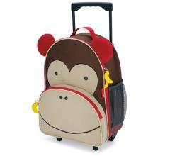 Už máme batůžek, tak časem doplníme kufřík :-)