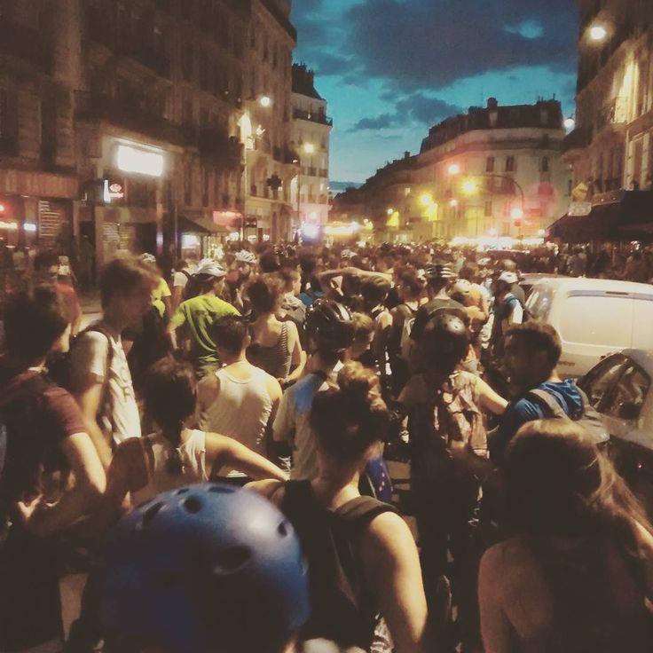 La rando roller Friday Night Fever hier soir dans Paris ! #Parisatnight