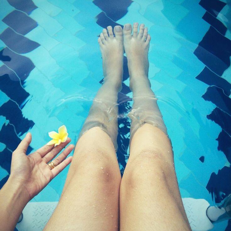 #summer #swimming #pool #sunshine #inspire #holliday #skiny #leg #indonesian #asia
