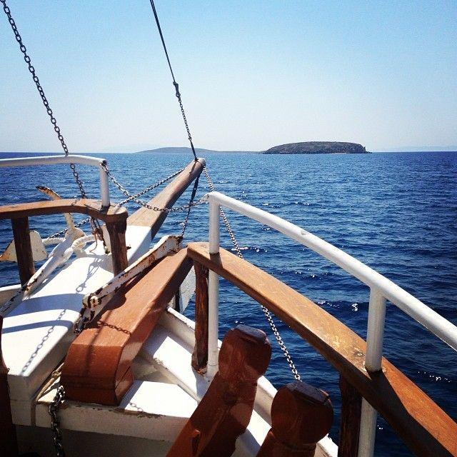 Sailing to Antiparos