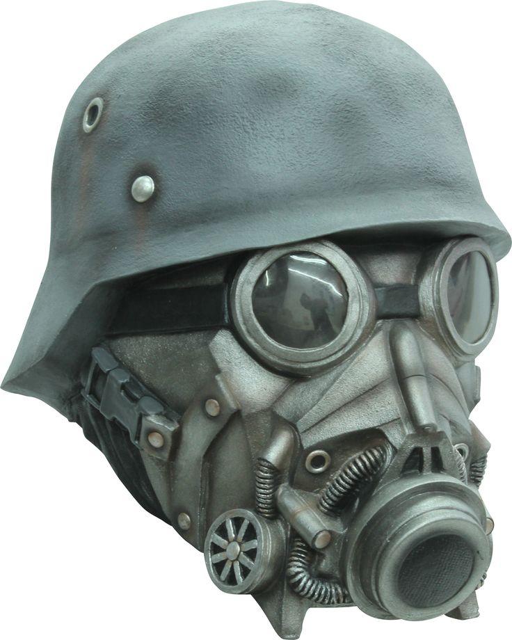 Maschera da soldato chimico realizzata in lattice dipinto a mano.