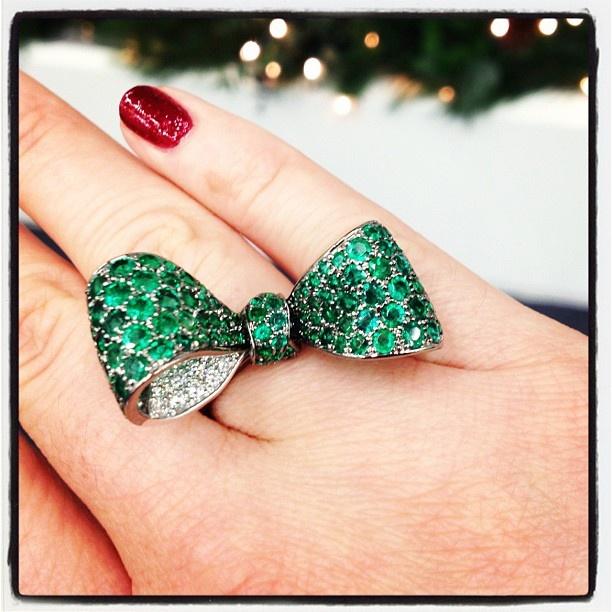 Mimi So. A big bold emerald bow for 2013