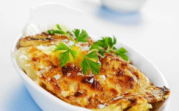 Oppskrift på Fløtegratinerte poteter