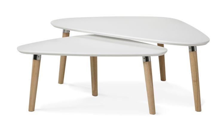 Soffbordsset i två delar som går att kombinera på många sätt, var för sig eller som ett soffbord tillsammans.