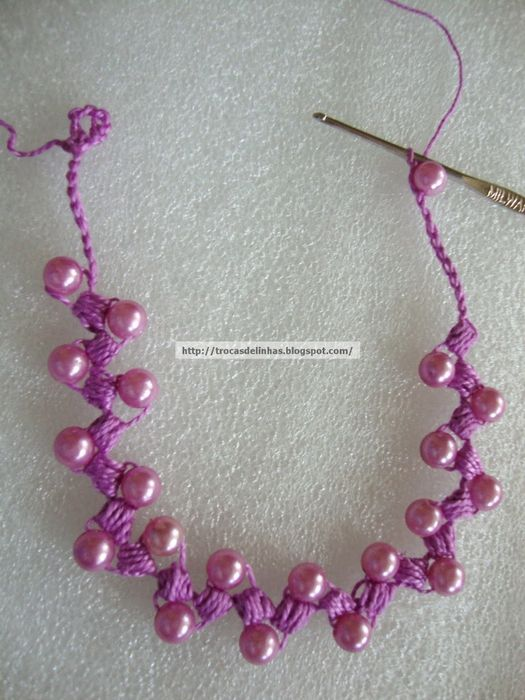 pretty crochet and bead necklace tutorial