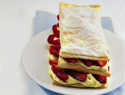 MILLEFOGLIE CON CREMA DI CHAMPAGNE E FRAGOLE 10 ricette con le fragole - Sale&Pepe