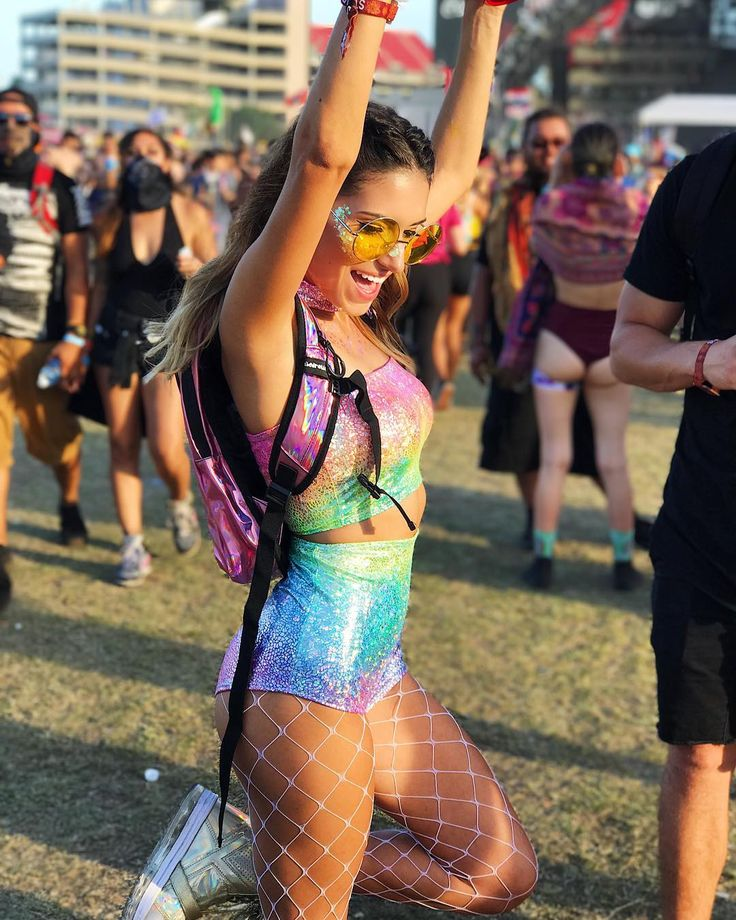"19.5k Likes, 137 Comments - elena cruz (@ecruz_n) on Instagram: ""Do what makes your soul shine ✨ #SMF #SMFTampa #sunsetmusicfestival #SMF17  (outfit:…"""