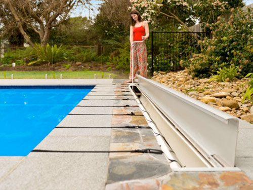36 best images about enrouleur bache piscine pool roller for Stand enrouleur