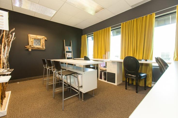 Pür cachet chez N Design Intérieur #office #trendy #yellow  http://www.purcachet.com