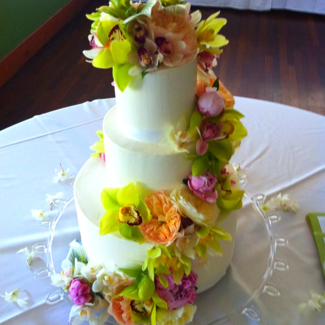 wedding cakes kauai hawaii beautiful wedding cake wedding kauai hawaii weddings 24840