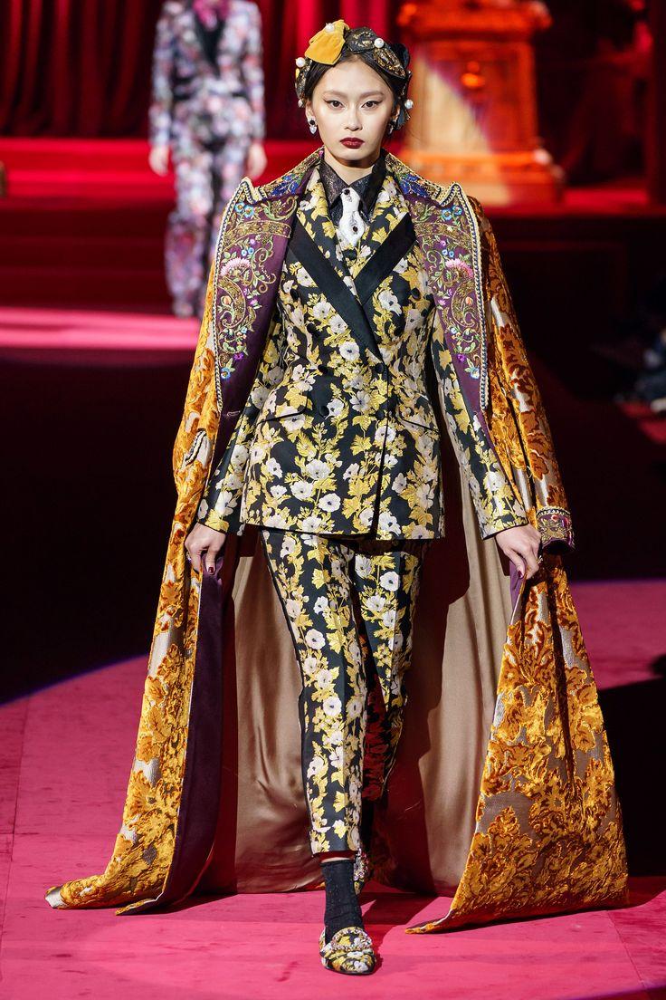 Dolce & Gabbana Fall 2019 Ready-to-Wear Fashion Show in ...