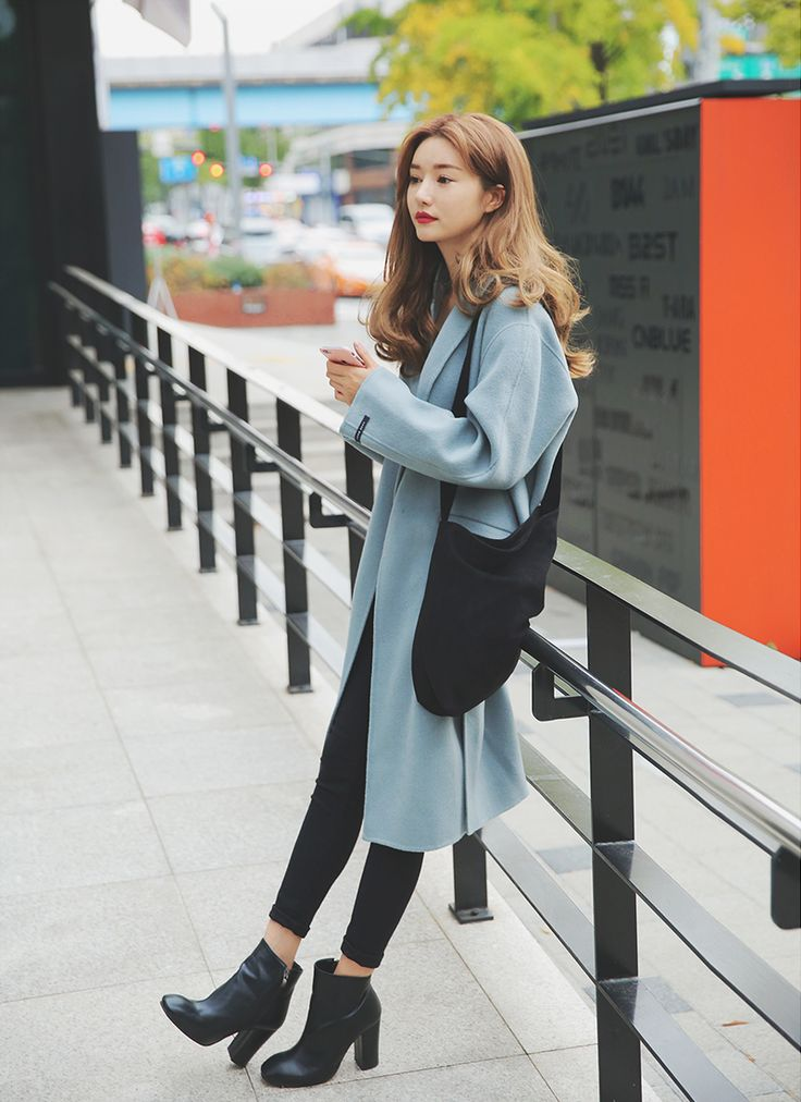 Korean Fashion#pretty and cute#love the blue coat#