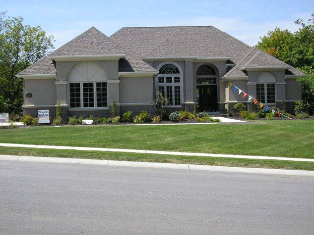 1000 ideas about stucco houses on pinterest stucco for Stucco and brick homes