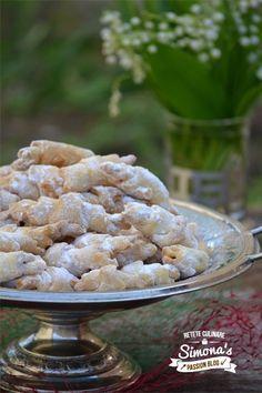 Reteta Cornulete cu untura si rahat din categoria Dulciuri diverse