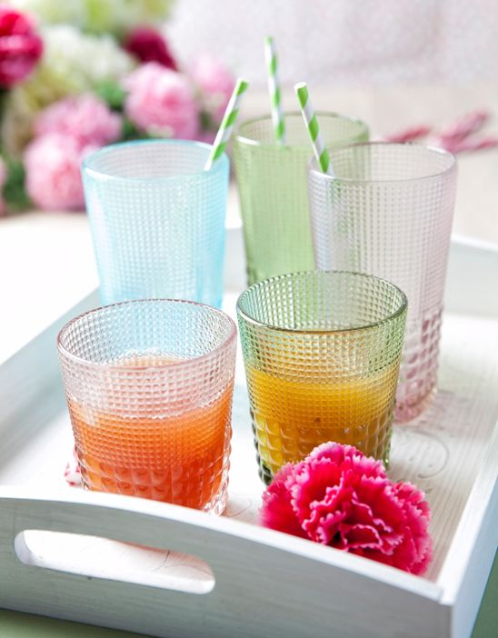 That's what we got for your colourful summer table!