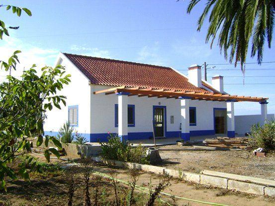 http://josesantoslml.blogs.sapo.pt/monte-alentejano-em-santiago-do-cacem-11938