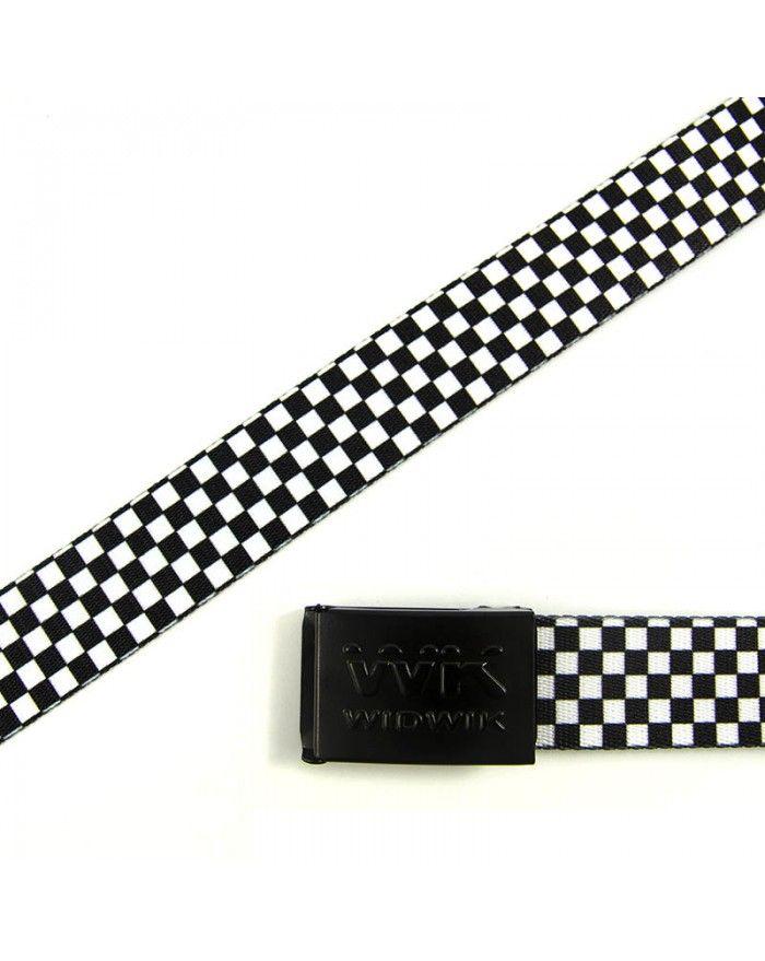 Cinto de moda ochentera con su estampado cuadriculado blanco y negro. Lo podrás encontrar en la Tienda Online de complementos WK WIDWIK.